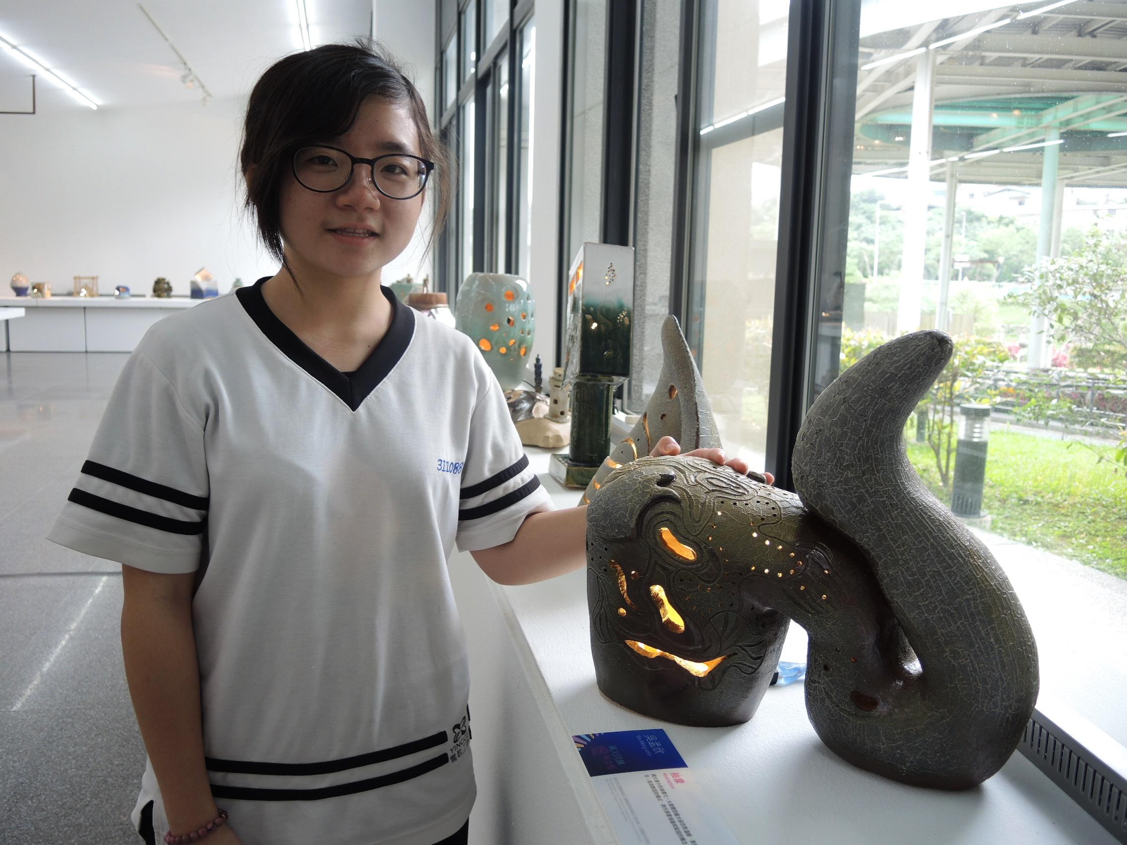 吳孟欣與《抽象》。