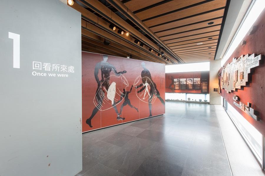 A Retrospective: History of Ceramics in Taiwan(2F)
