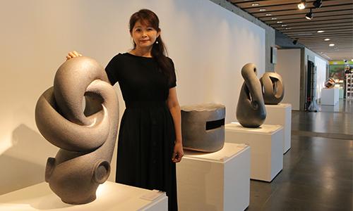 科技新貴轉戰陶藝創作