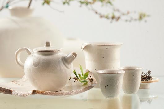 謙白茶器組-圓壺