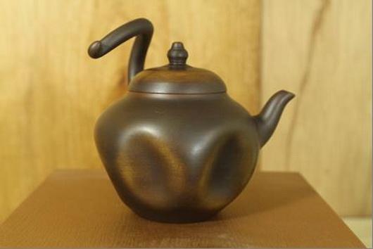 側把老銅壺