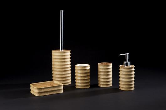 自然生活/木紋衛浴組