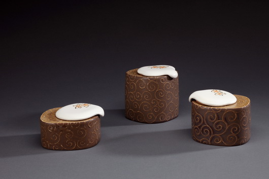 五月雪-茶罐